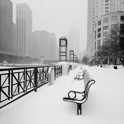 Chicago River Promenade in Winter von Dave Butcher