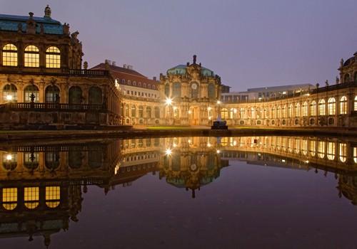 Zwinger Dresden beleuchtet von Rolf Fischer