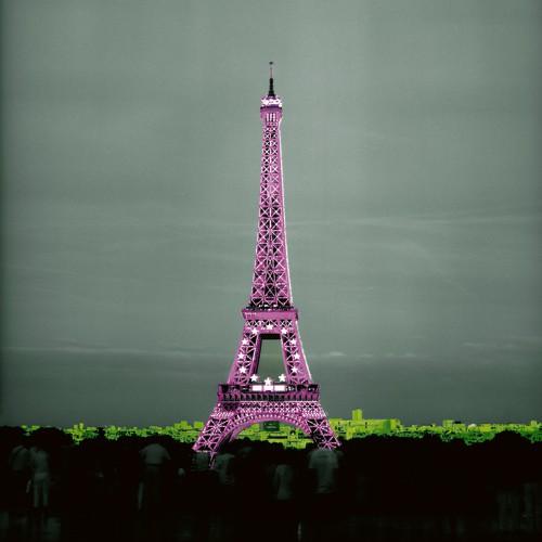 Pinky Tower von Anne Valverde