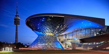BMW Welt mit Olympiaturm von Reinhard Schmid