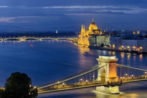 Budapest Kettenbrecke - Parlament von Rolf Fischer