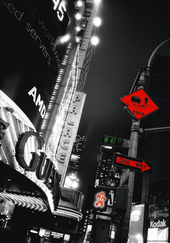 Times Square Night von Anne Valverde