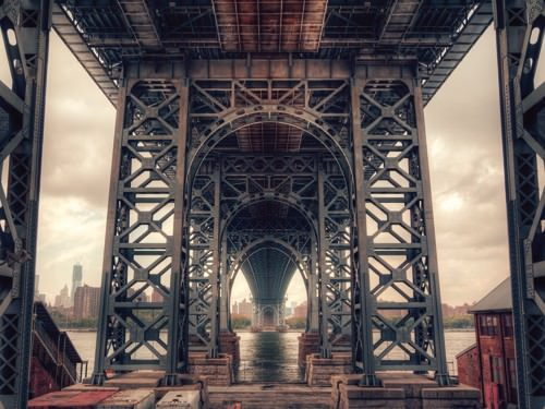 Under the Bridge - Colour von Aurelien Terrible