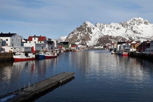Henningsvaer Hafen  Lofoten im Winter von Rolf Fischer