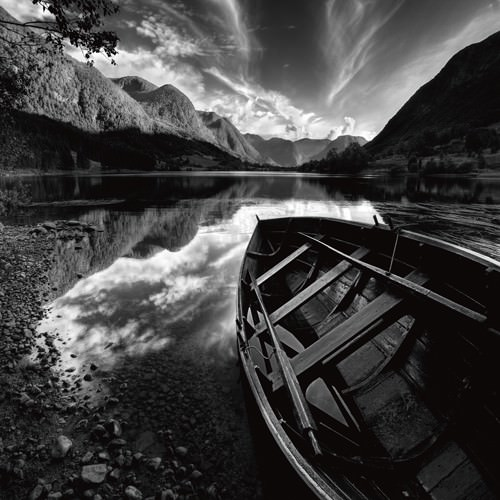 Rowing Boat von Maciej Duczynski