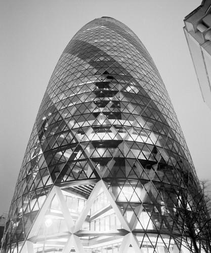 The London Gherkin at Night von Dave Butcher