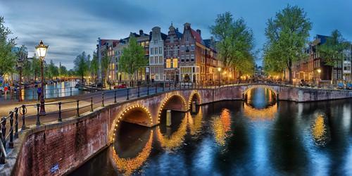 Amsterdam - Grachten von Rolf Fischer