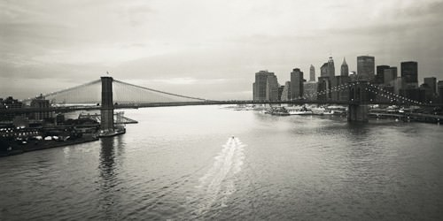 Brooklyn Bridge at Dawn von Dave Butcher